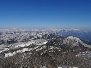 右から白木峰・金剛堂山・三ヶ辻山など(手前は尾崎山)
