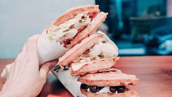 翻白眼鬆餅Bar 隱身巷弄內的美味鬆餅 現點現做 鹹甜都有 七堵美食 基隆美食