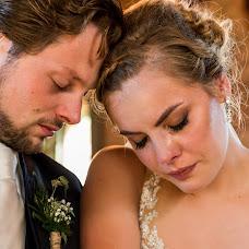 Wedding photographer Louise van den Broek (momentsinlife). Photo of 30.10.2017