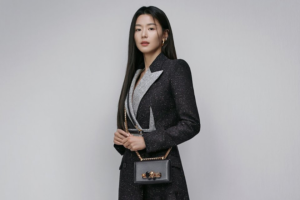 jun-ji-hyun-selected-as-ambassador-for-alexander-mcqueen-in-south-korea