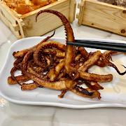 42. Deep Fried Squid Tentacles 妙油五香炸龍鬚