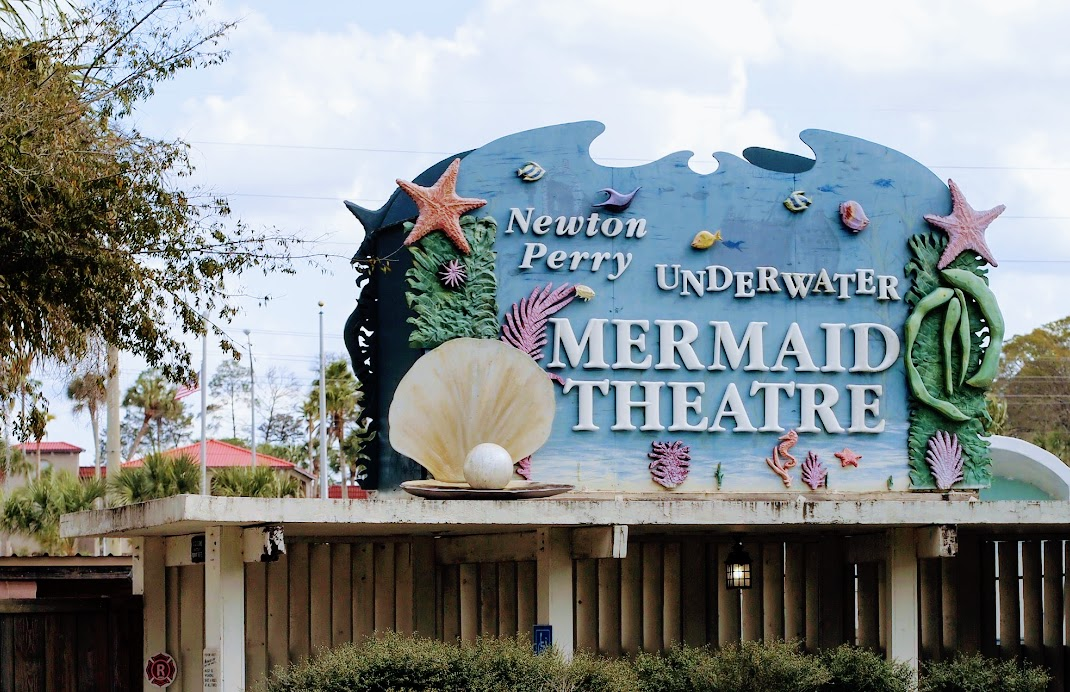 The mermaid theatre in Weeki Wachee