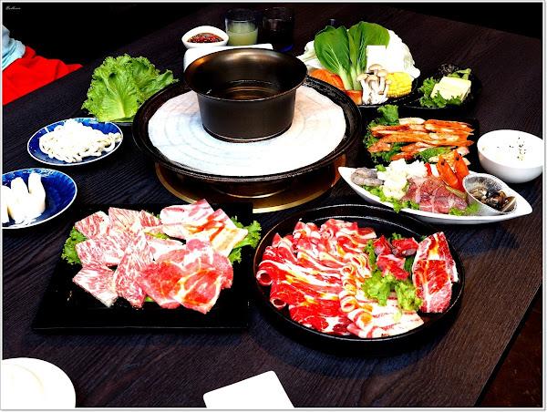 悅上引火烤兩吃,頂級日本A5和牛、酵母黑豬 ,人氣必點蟹黃豆腐、烤肥腸,還有星巴克咖啡、明治冰淇淋無限享用