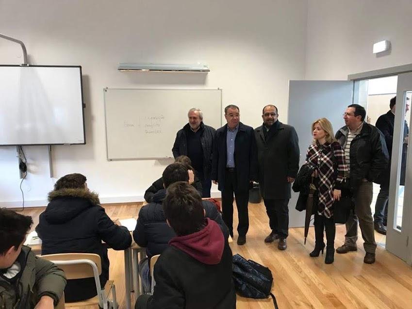 Ângelo Moura visita requalificação da Secundária de Latino Coelho