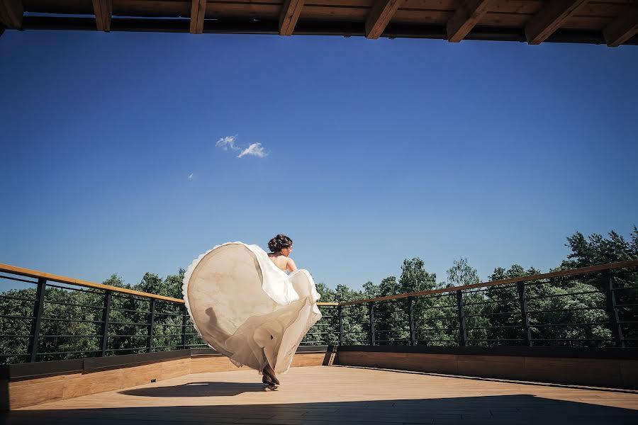 Wedding photographer Слава Семенов (ctapocta). Photo of 20.08.2015