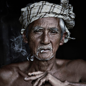 WAK by Hanif Ismail - People Portraits of Men