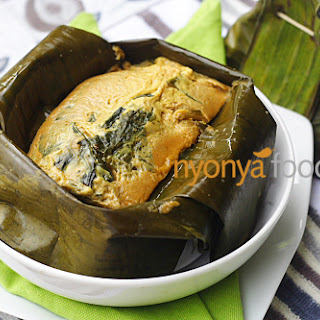 Otak-Otak (Nyonya Fish Custard Wrapped with Banana Leaves)