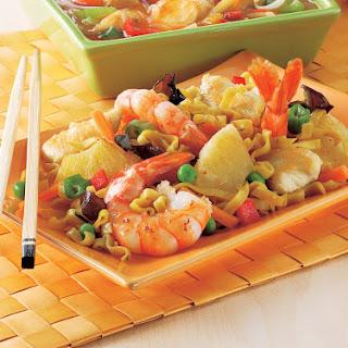 Gebratene Nudeln mit Hühnerstreifen & Shrimps