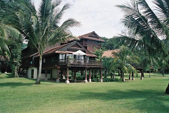 Photo: CHERATING-Bungalow du Club Med de Cherating Beach en Malaisie