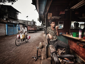 Photo: Bombay Barber (Mumbai, India) www.michiel-delange.com
