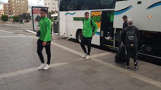 Juan Ibiza y Álvaro Giménez entrando al Hotel.