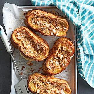 Streusel Toasts