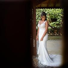 Wedding photographer Albeiro Diaz (albeiro1965). Photo of 21.10.2019