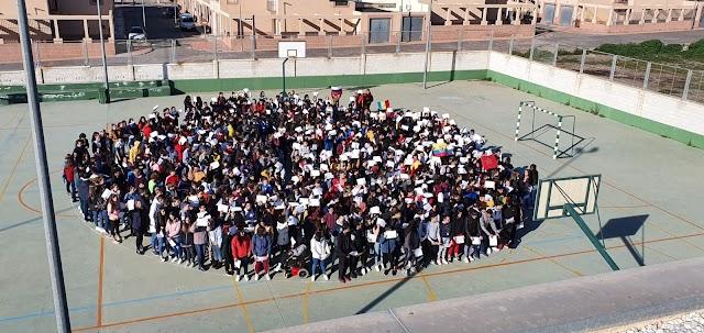 CEIP La Libertad celebrando el Día de la Paz