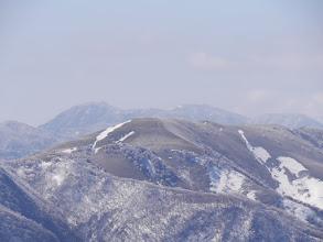 竜ヶ岳アップ(後ろは御在所岳)