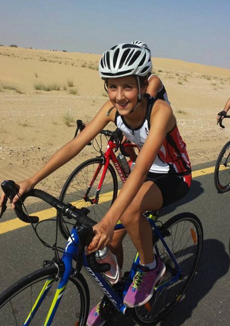 Pauline fietst (loopt en zwemt) in Abu Dhabi