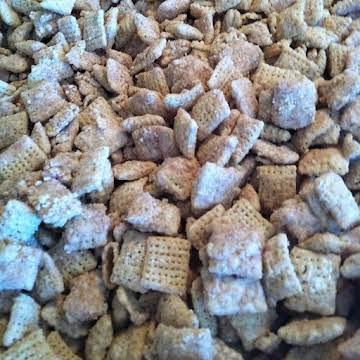Cinnamon Sugar Muddy Buddies (Puppy Chow)