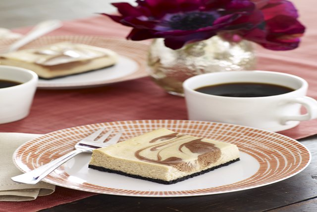 Philadelphia Chocolate-Vanilla Swirl Cheesecake Recipe