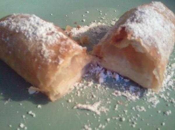 Use the left over cream chease spread, on a flour tortilla....spread it on the...