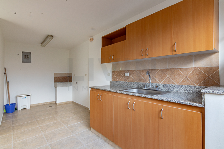 apartamento en arriendo san lucas 494-3086