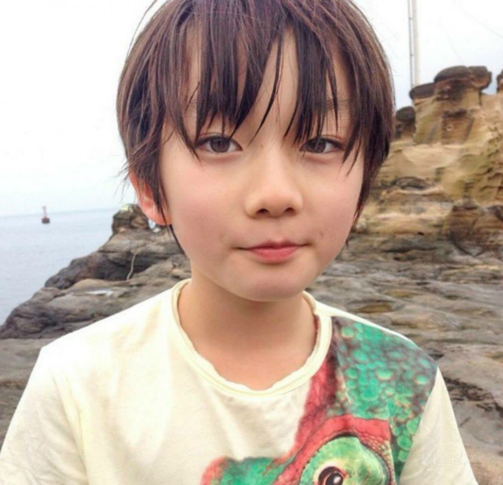 This Young Japanese Boy Is Going Viral Across Asia For His -5243