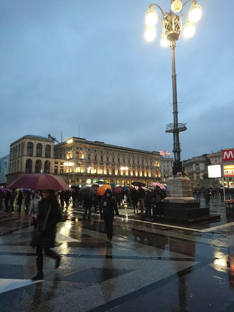 Rainy Milan di stefania_fiora