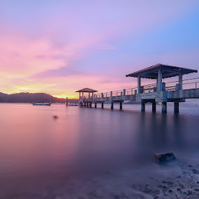 sunset jetty pulau aman by G-en Are Lock Stuck - Landscapes Sunsets & Sunrises ( golden hour, sunset, sunrise )