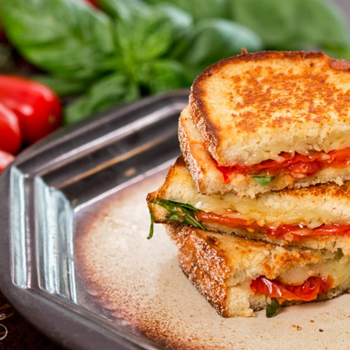 Roasted Tomato Grilled Cheese Sandwich