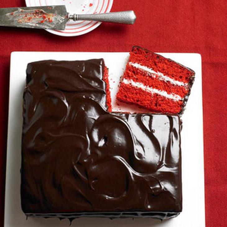 Chocolate and Vanilla Red Velvet Cake Recipe