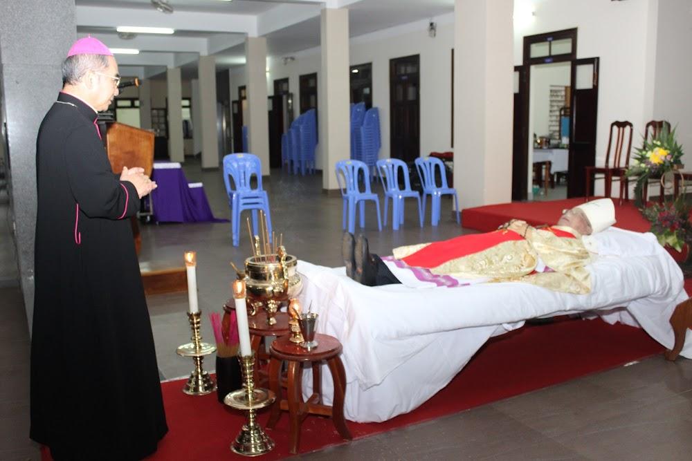 Các đoàn thể kính viếng Đức Cha Phaolô mới qua đời - Ảnh minh hoạ 7
