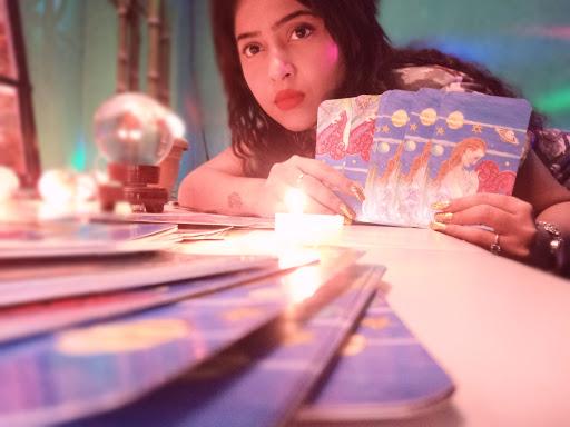 Ana das(tarot reading,palmistry,Astrology,Astrologer,psych