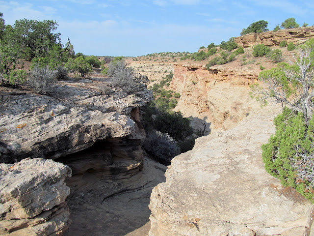 Entering a side canyon of Good Water Canyon