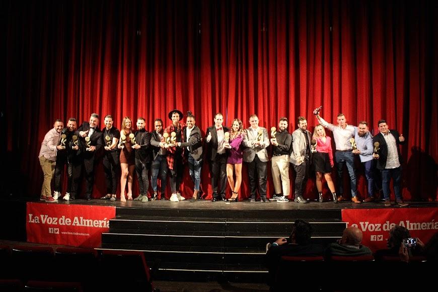 Galardonados en los Premios de la Noche Almeriense junto a Curro Verdegay.