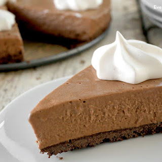 No-Bake Frozen Chocolate Hazelnut Pudding Pie