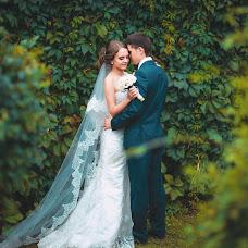 Wedding photographer Kseniya Dikaya (DIKFOTO). Photo of 19.04.2016