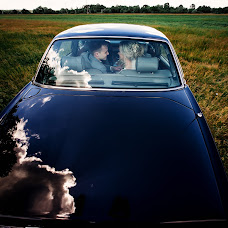 Wedding photographer Dmitriy Shumeev (wedmoment). Photo of 25.08.2017