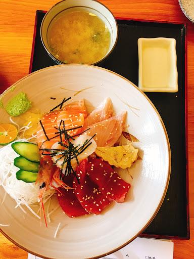 綜合海鮮丼飯