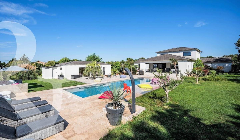 Maison avec piscine et terrasse Saint-Martin-de-Crau