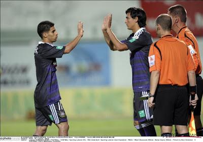 Mbark Boussoufa gaat voor  Al Sailiya voetballen
