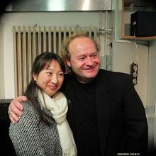 Photo: KÜNSTLERGESPRÄCH MIT PETER SVENSSON (21.4.2015.) Gesprächsleitung: Peter Skorepa. Svensson mit seiner Klavierbegleiterin. Foto: Phillip de wil