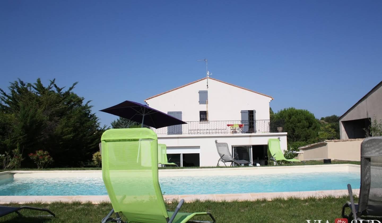 Maison avec piscine et terrasse Montagnac