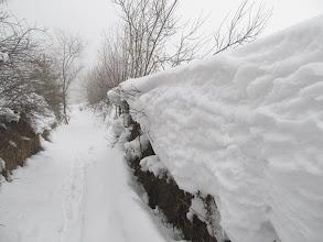 Photo: 10.Hałaśliwy stok zostaje za mną a ja zmierzam ledwo przetartą ścieżynką na Lubań.