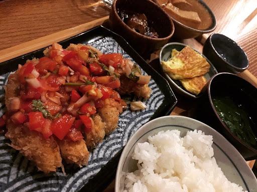 好吃到連二晚都來報到😋 #高雄美味日式定食 #莎莎醬雞排定食