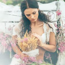 Wedding photographer Olga Simakova (Ledelia). Photo of 09.04.2016