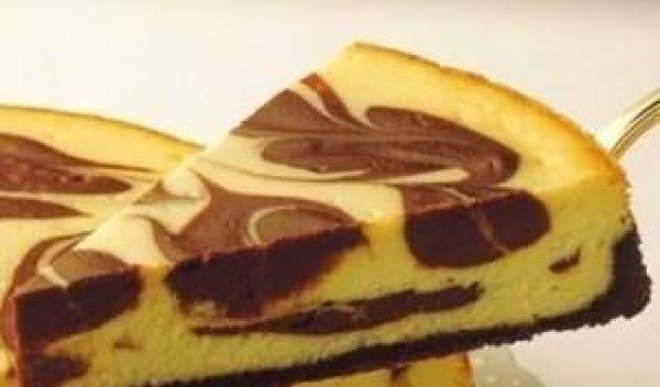 Chocolate-marbled Almond Cheesecake Recipe