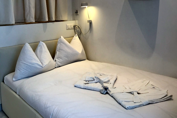 Single bed bedroom at St. Sulpice Route de Vallaire