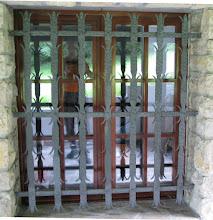 Photo: Inferriata in ferro battuto