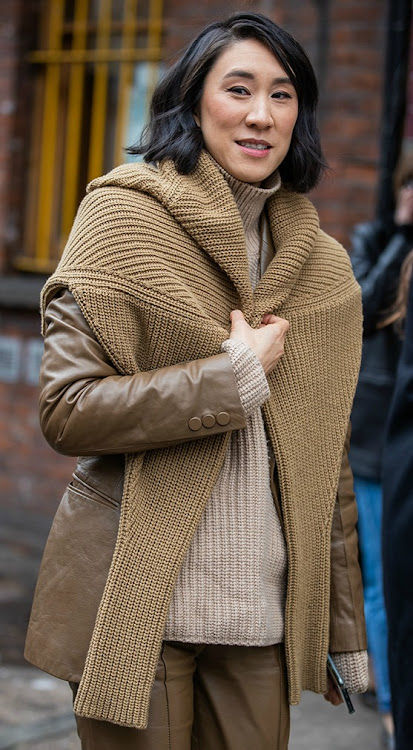 Eva Chen in brown knits outside JW Anderson during LFW 2020.