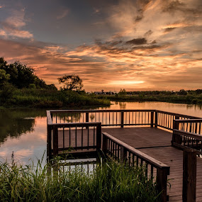 Sunset Rosenberg by John Chitty - Landscapes Sunsets & Sunrises ( sunset, texas, landscape, seabourne creek park, rosenberg tx,  )