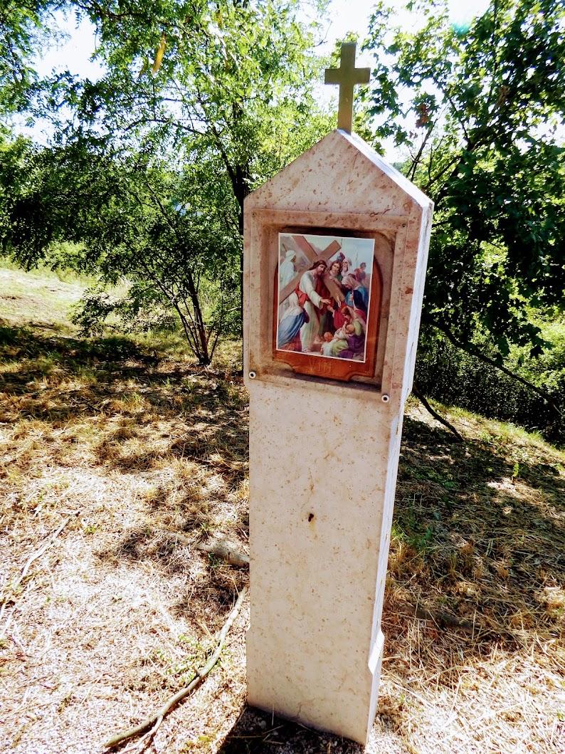 Vértesacsa - stációs kálvária a Pató-hegyen